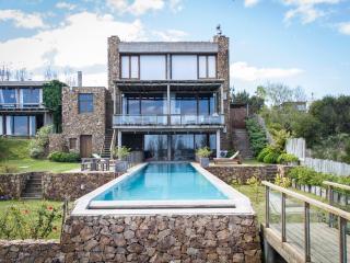 Stunning 11 Bedroom House in Manantiales, Punta del Este