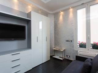 Modern studio on La Croisette 107