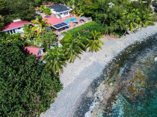 Fabulous & Private Beachfront Villa for 2-10!, St. John