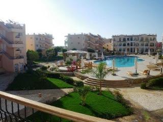 Stylish Sharm 2 Bed Large Balcony + Roof Terrace, Nabq Bay