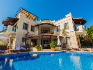 Villa with Great Seaviews, Heated Pool, Slps 12/13, Kalkan