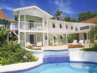 Saline Reef - Ideal for Couples and Families, Beautiful Pool and Beach, Cap Estate