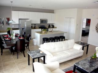Home with heated pool by Disney Parks 851LF, Kissimmee