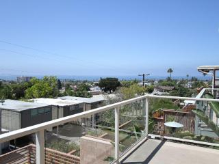 Million $ View, 750 ft of Deck, Walk to Beach/Shop, San Diego
