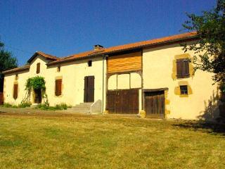 18th century Gascon farmhouse tastefully renovated