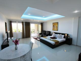 Sea View Siam Royal View  STUDIO Apartment, 2+1 child