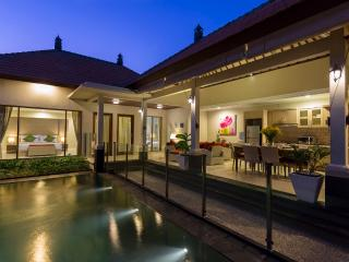 Tulip Villas - Luxury 2/4 Bedroom, Sanur