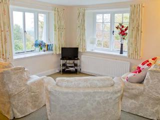 THE APARTMENT, en-suite facilities, open plan living area, pet-friendly apartment, near Hawkshead, Ref. 917445