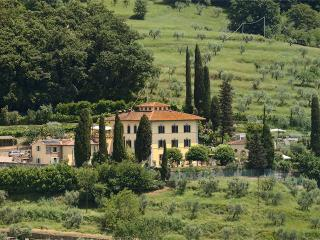 Beautiful Historic Villa Parri in Tuscany Countryside, Pistoia