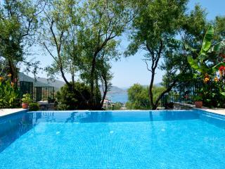 Villa Gelincik, Selimiye, sleeps 8/9, 4 bathrooms, Marmaris