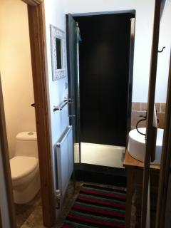 Bathroom, The Cottage, Moreton