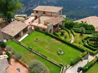 Villa Il Gabbiano with pool and sea view