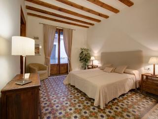 Ferran Suites apartment, Barcelona
