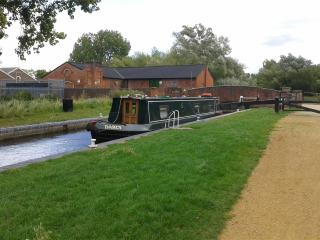 Narrowboat on the beautiful Kennet and Avon canal, Devizes
