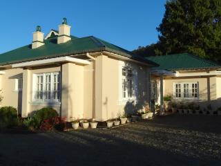Senani  Colonial  Holiday  Bungalow, Nuwara Eliya