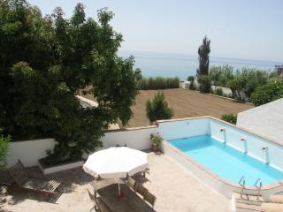 Casa Carabeo LU28 4 Bed, private pool / sea views, Nerja