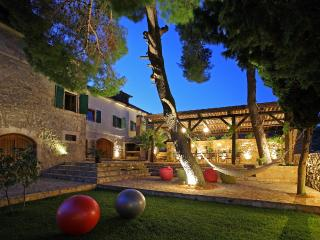 Authentic luxury villa with pool and winery, Island of Vis