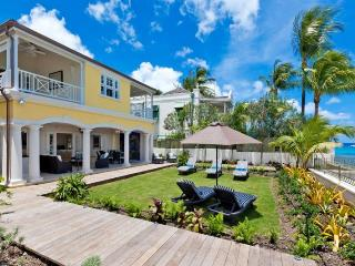 Stylish 5 bedroom villa located directly on the ocean, Weston