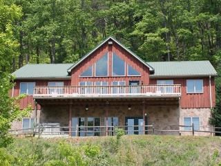 Group (20-34) cabin-5 bedrooms with a spectacular mountain view - Bear Lodge, Townsend