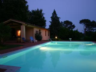 Siena Cottage Villa with Swimming Pool - TFR71