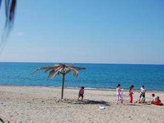 VILLA MARIA,BEACH AND CENTER CLOSE
