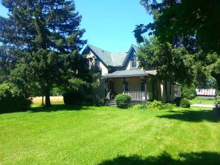4 bedroom Nine Mile House, Goderich