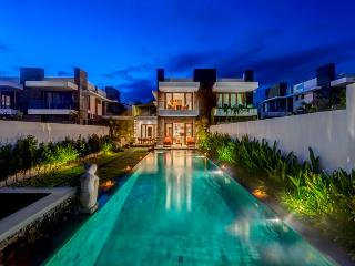 Bali Diamond 5 Bedroom Beach front luxury Villa