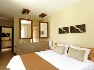 3 Bedrooms Villa Athena, Grand Baie