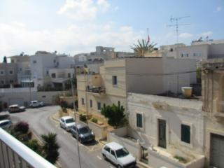 Lovely spacious flat in St Julians