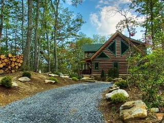 Woodhaven | Hot Tub | Fireplace | 3BR Luxurious and Secluded Mountain Retreat, Gerton