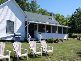 White Cottage - Clyffe House Cottage Resort
