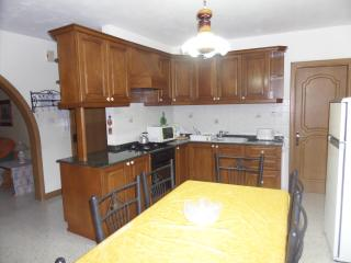 2 double bedroom apartment 3 min away from beach