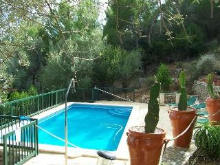 ESPORLES villa with pool x 6 people, Esporles