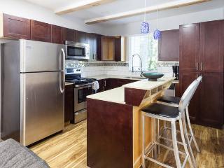New, modern apartment on serene greenbelt