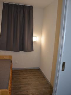 Chambre n°1 avec suffisamment de place pour un lit bébé