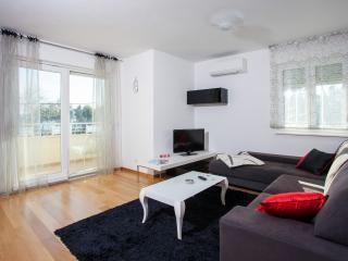 Apartments Vesna-see view, Kastel Stari
