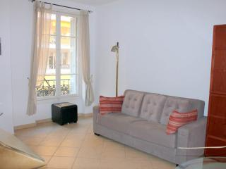 Great apartment in Nice city centre, sleeps 4