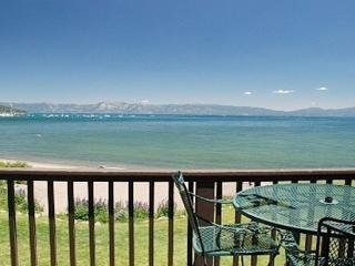 Beach Front Condo Walking Distance to All Shops, Tahoe City