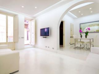 White Style Family Alcove