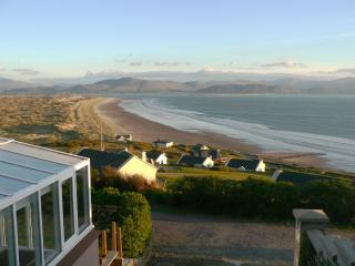 Lios Dána Lodge - Great for Large Groups - Overlooking Inch Beach and Dingle Bay