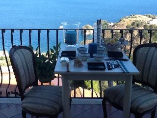 Alex home -Taormina - vista mare -wifi -posto auto