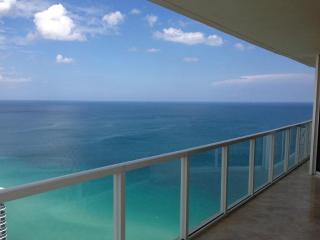 AMAZING OCEAN VIEWS! GORGEOUS OCEANFRONT CORNER!, Sunny Isles Beach