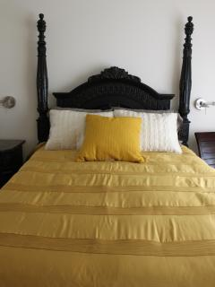 Saffron Suite with queen bed