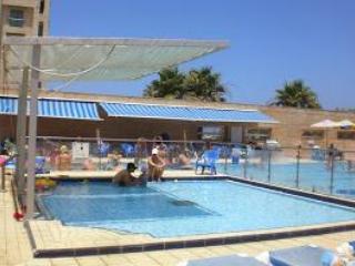 Loft Ocean View: pool, tennis in Okeanos ba Marina