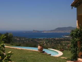 Luxury Villa With Beautiful Sea View - Heated Pool, La Cadiere d'Azur