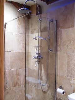 Upstairs En-Suite Shower Room