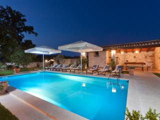 Villa San Vincenzo - Romantic villa in Istria with private pool,10+2 children