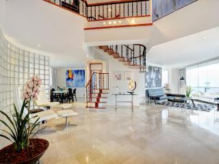 OLIVER LUXURY BOUTIQUE APARTMENTS, APT 1001, Medellin