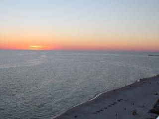 Majestic Beach Resort 2BR High unit great view, Panama City Beach