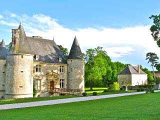 Château de Landreville - Bed Breakfast Guest House, Sedan